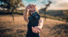 Jak vložit fotku do fotky: vytvořte si fotografickou koláž pomocí vrstev