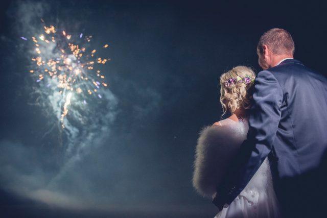 Jak fotit ohňostroje: svatební ohňostroj.
