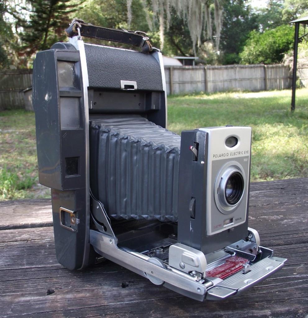 Polaroid Model 900