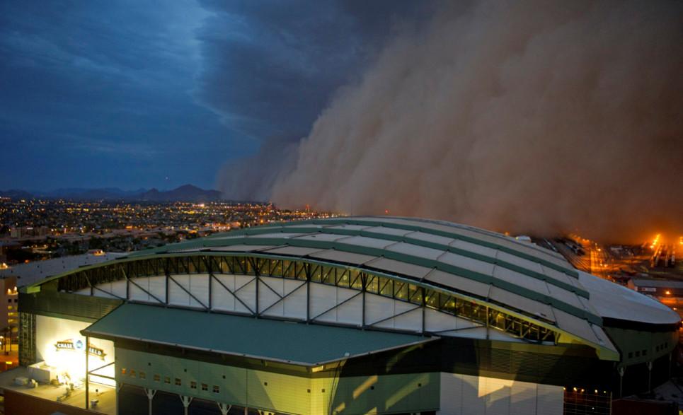 Phoenix - písečná bouře