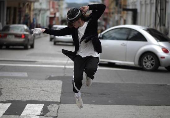Marvin Romero - imitátor Michaela Jacksona tančí na ulicích Guatemala City