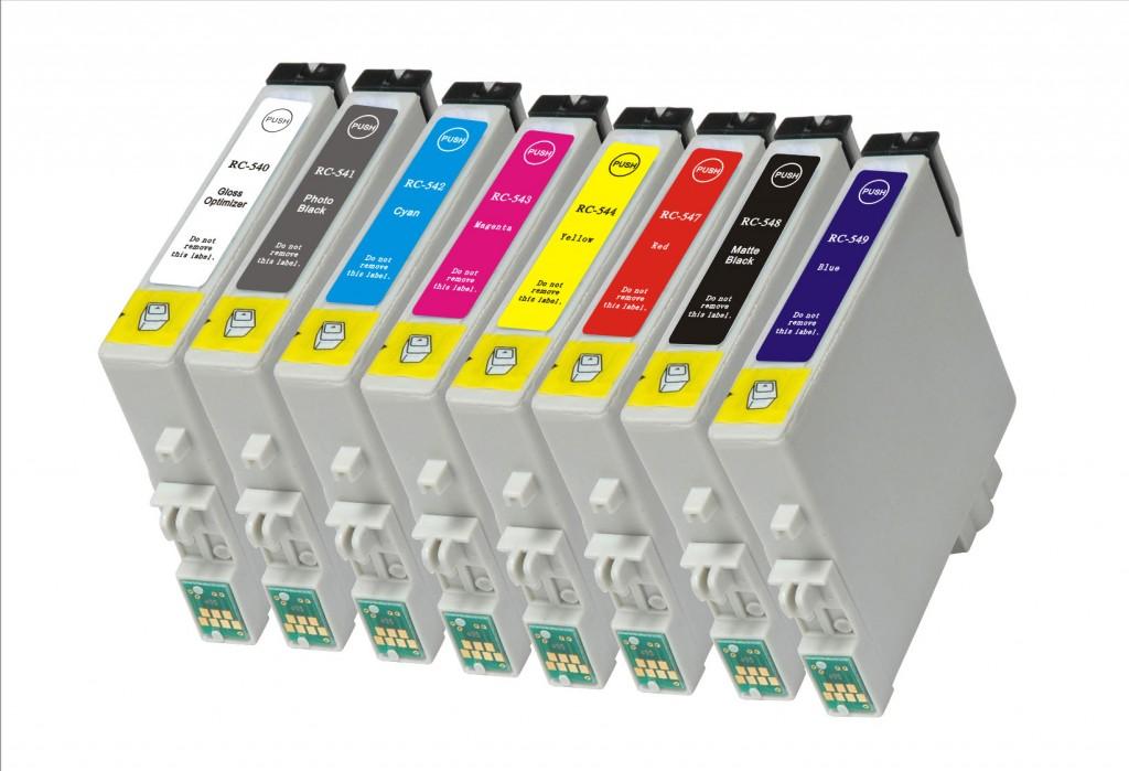 Sada inkoustů pro barevnou fototiskárnu obsahuje až osm barev