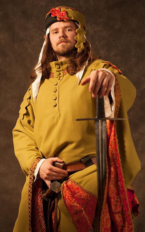 Jeden z šermířů sloužil také jako model na jiný workshop - Portrét a umělé světlo Kamila Rodingera.jpg