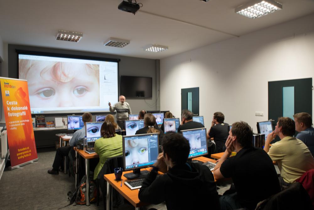 Učebna v provozu, uprostřed semináře na úpravy v ZPS