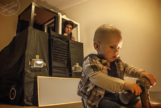 Terminátor 2 podle rodiny Mackieových. Zdroj: Cardboardoffice
