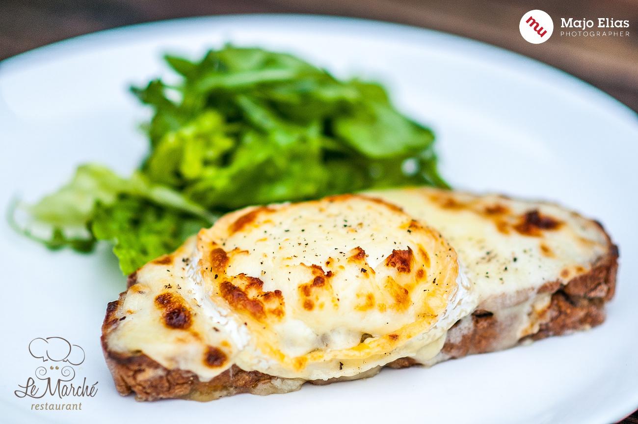 Teplejší odstíny jídlu sluší lépe.