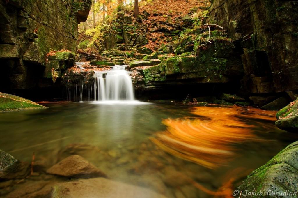 Vodopády Satiny pod Lysou horou, Beskydy. Místo, kam vyráží fotit každý v okolí… Nikon D90, Tokina 12-24/f4, ND8 filtr, ohnisko 12mm, ISO 158, f 13, 15s