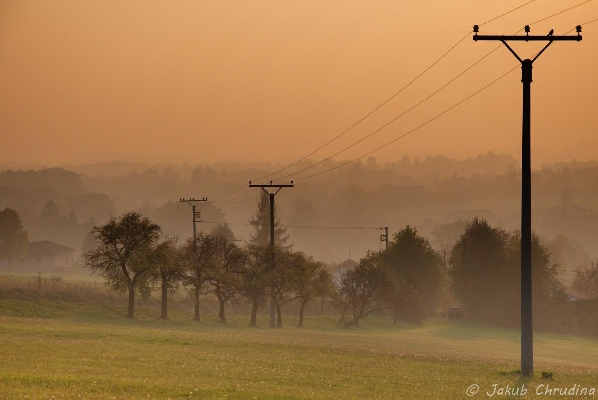 Večerní opar nad Havířovem. Nikon D90, Nikkor 18-105mm/3.5-5.6, 80mm ohnisko, ISO 200, f 9, skládáno z tří snímků do HDR