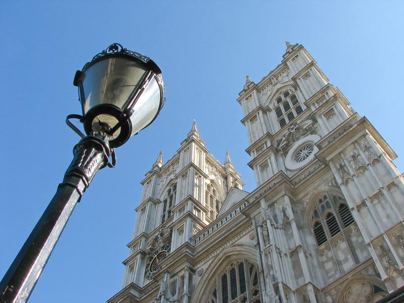 Westminster Abbey s pouliční lampou.jpg