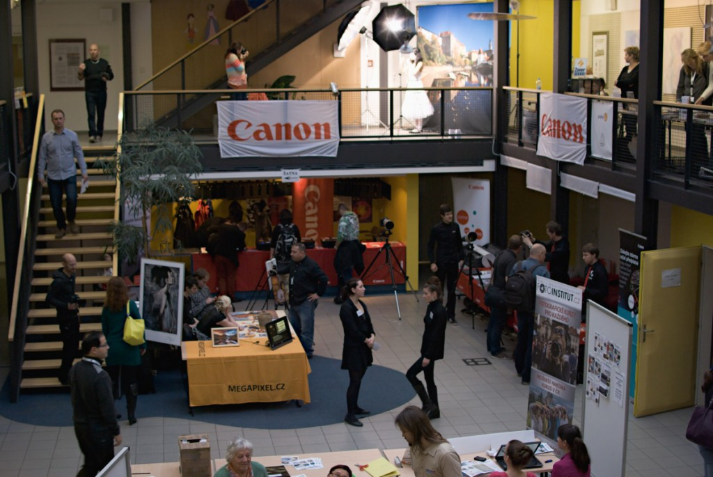 Mezi partnery Setkání fotografů patřil např.  výrobce fototechniky Canon a obchod Megapixel.cz.jpg