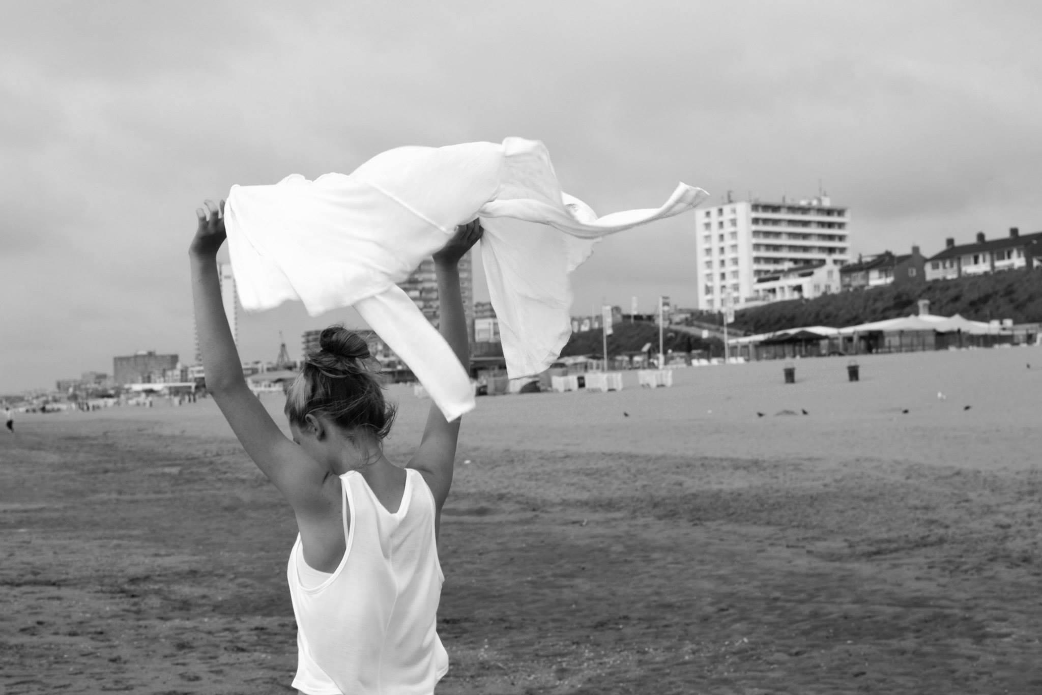Pláž, Zandvoort, Holandsko Nikon D3100, Nikkor 35mm, 1/100 s, F7,1, ISO 100, ohnisko 35 mm