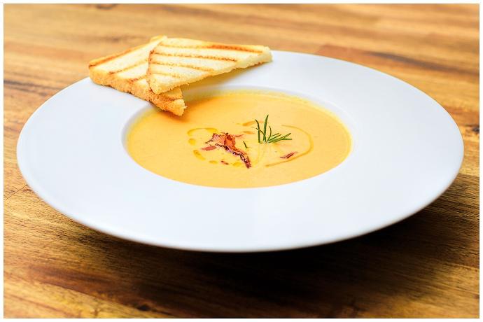 Jídlo patří mezi časté produktové fotografie. Buďte kreativní, clona i správné světlo vám pomůžou. Autor: Petr Dudek