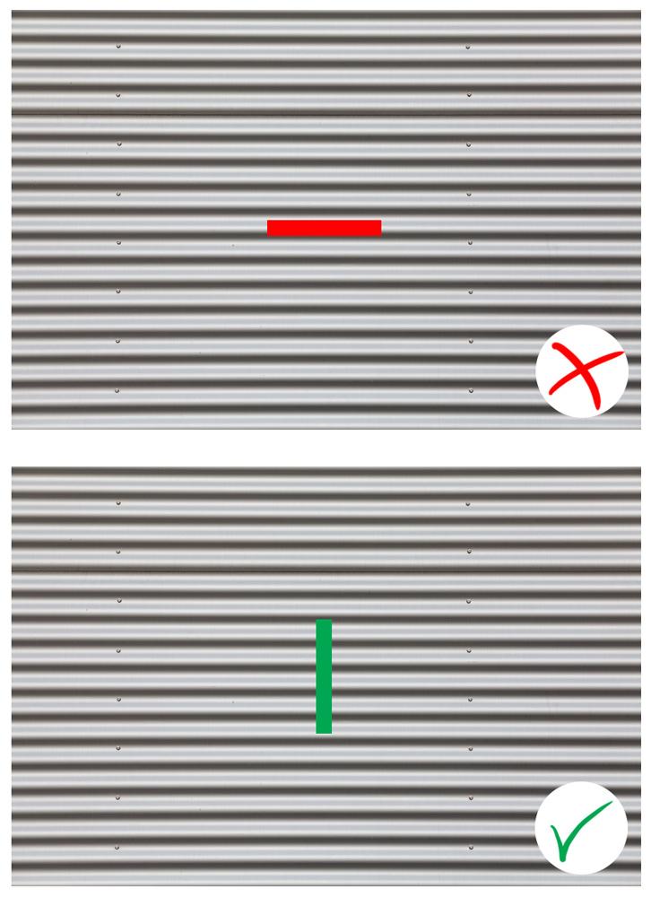 Vlnitý plech bude dělat problémy horizontálnímu proužku, ale ne vertikálnímu.jpg