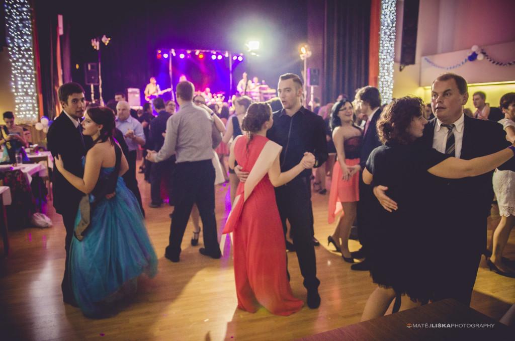 Zachyťte účastníky plesu.jpg