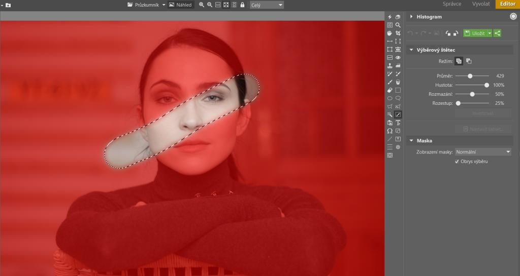 Na vybrané ploše se bude provádět úprava, zbytek obrázku (červená plocha) zůstane nezměněný.