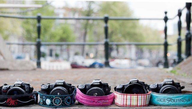 fe9d468c7c0 Fotoaparát také jako módní doplněk  Pořiďte si nový popruh nebo ...