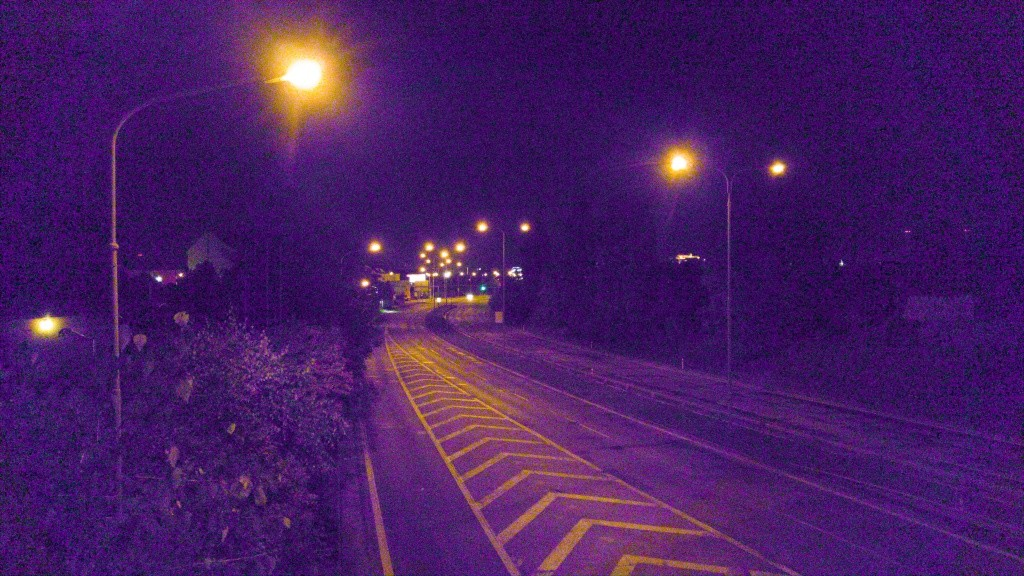 Focení v noci mobilem, RAW formát. LG G4, 1/30 s, f/1.8, ISO 2700, ohnisko 4.42 mm
