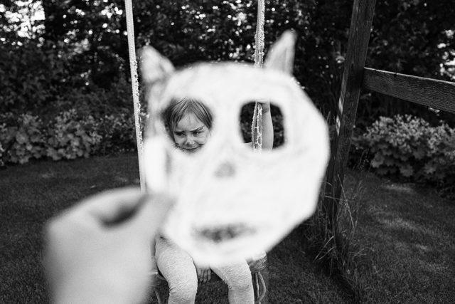 Fotografování dětí s kratším ohniskem umožnilo zachytit veškeré důležité prvky.