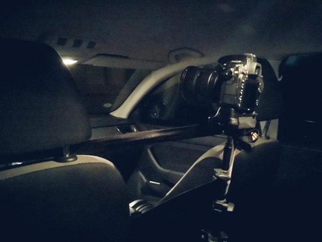 Timelapse: pevně připevněný fotoaparát připravený pro tvorbu časosběrného videa.