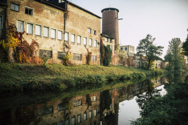 Jak fotit architekturu: industriální stavby.