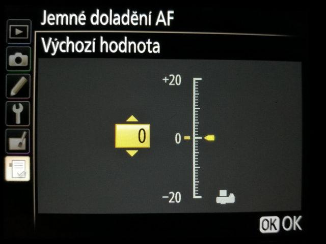 Dot tune: nastavení výchozí hodnoty AF.