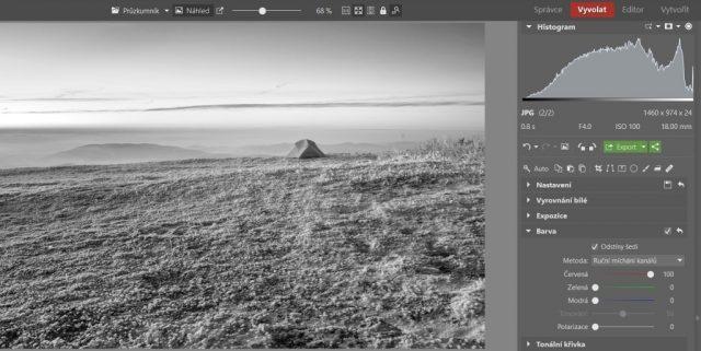 Zimní krajina a typické úpravy: převod do černobílé v Zoner Photo Studiu.