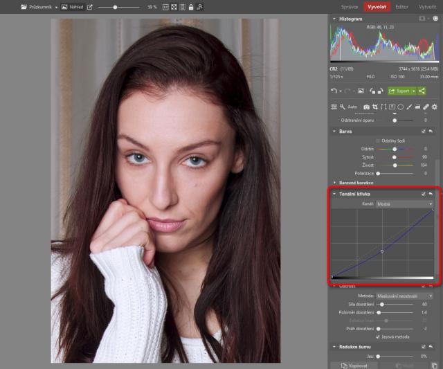 Jak upravovat portréty: úprava teploty barev pomocí modré křivky.