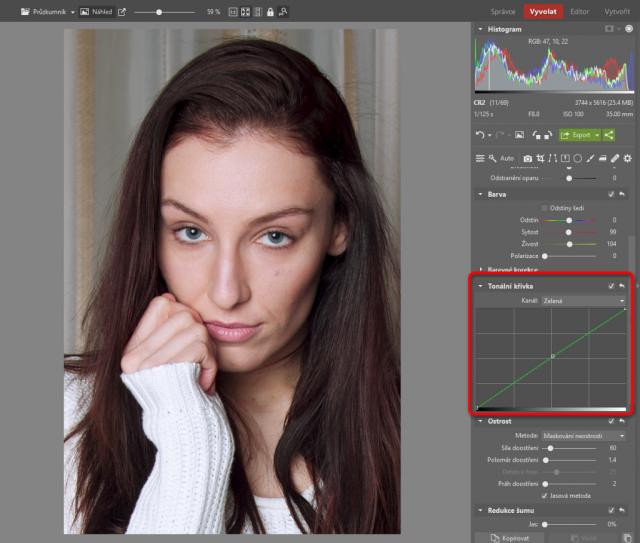 Jak upravovat portréty: úprava teploty barev pomocí zelené křivky.