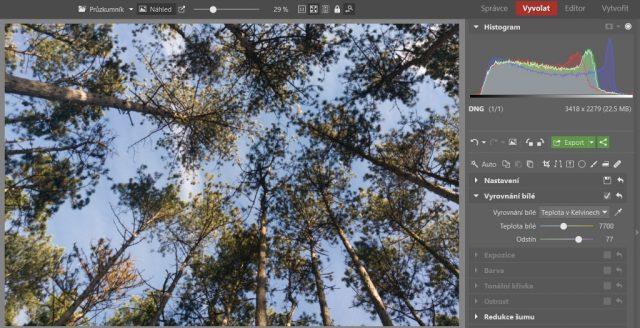 Základní úpravy fotek z mobilu: vyvážení bílé.
