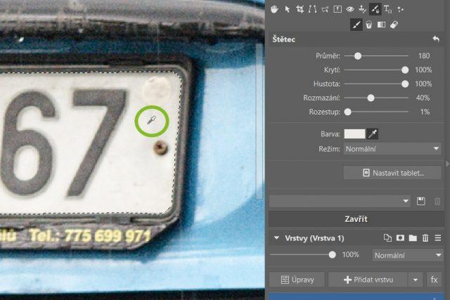 GDPR a fotky: výběr barvy štětce pomocí kapátka.