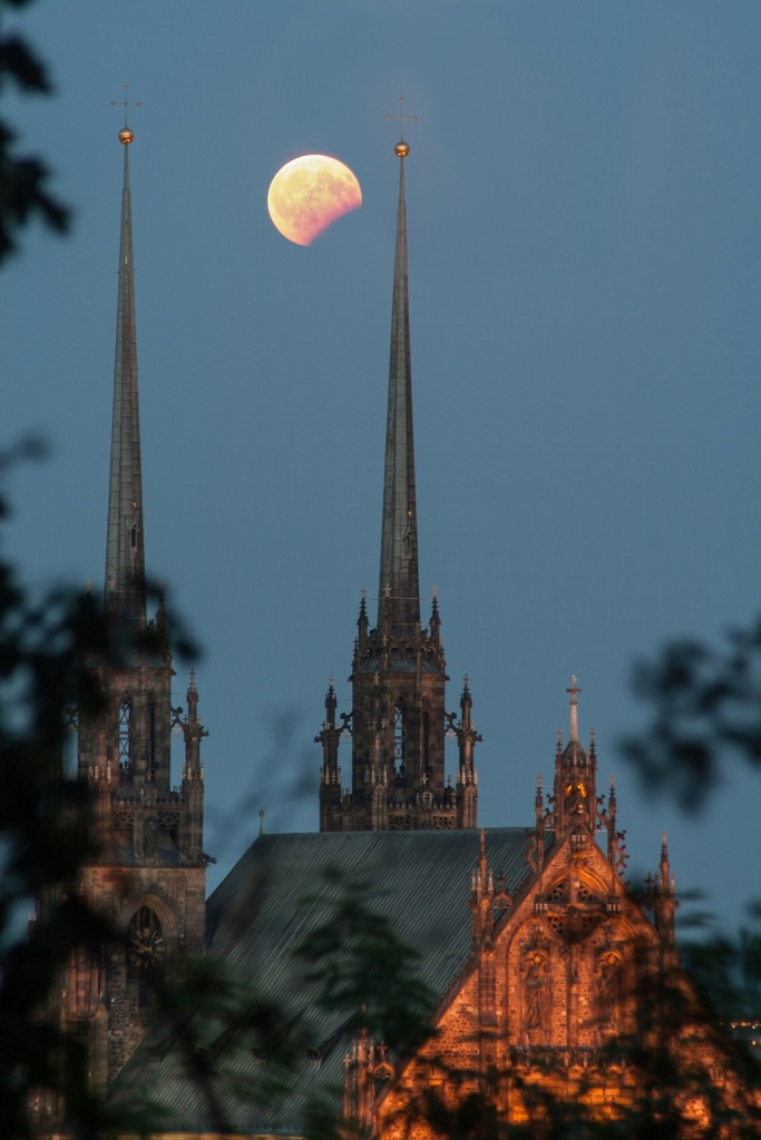 Vyfoťte si zatmění Měsíce - Petrov