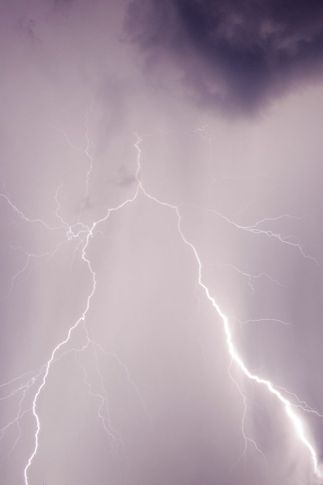 Jak fotit blesky: blesk v mracích.
