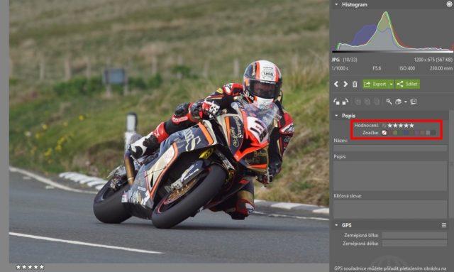 Jak upravit fotky z motocyklových závodů: výběr snímků pomocí hvězdiček.