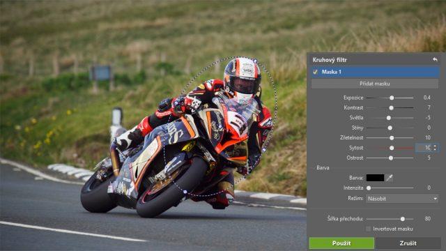 Jak upravit fotky z motocyklových závodů: úprava pomocí kruhového filtru.