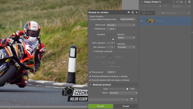 Jak upravit fotky z motocyklových závodů: přidání vodoznaku.