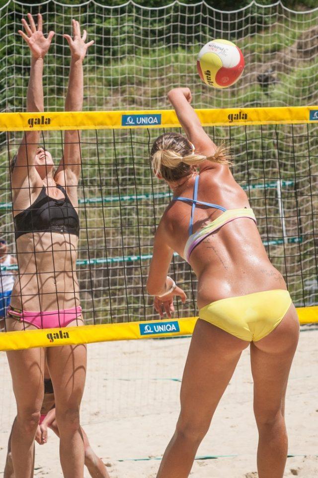 Jak fotit sport: beach volejbal.