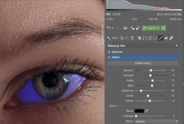 Retuš portrétů: zjemnění očního bělma.
