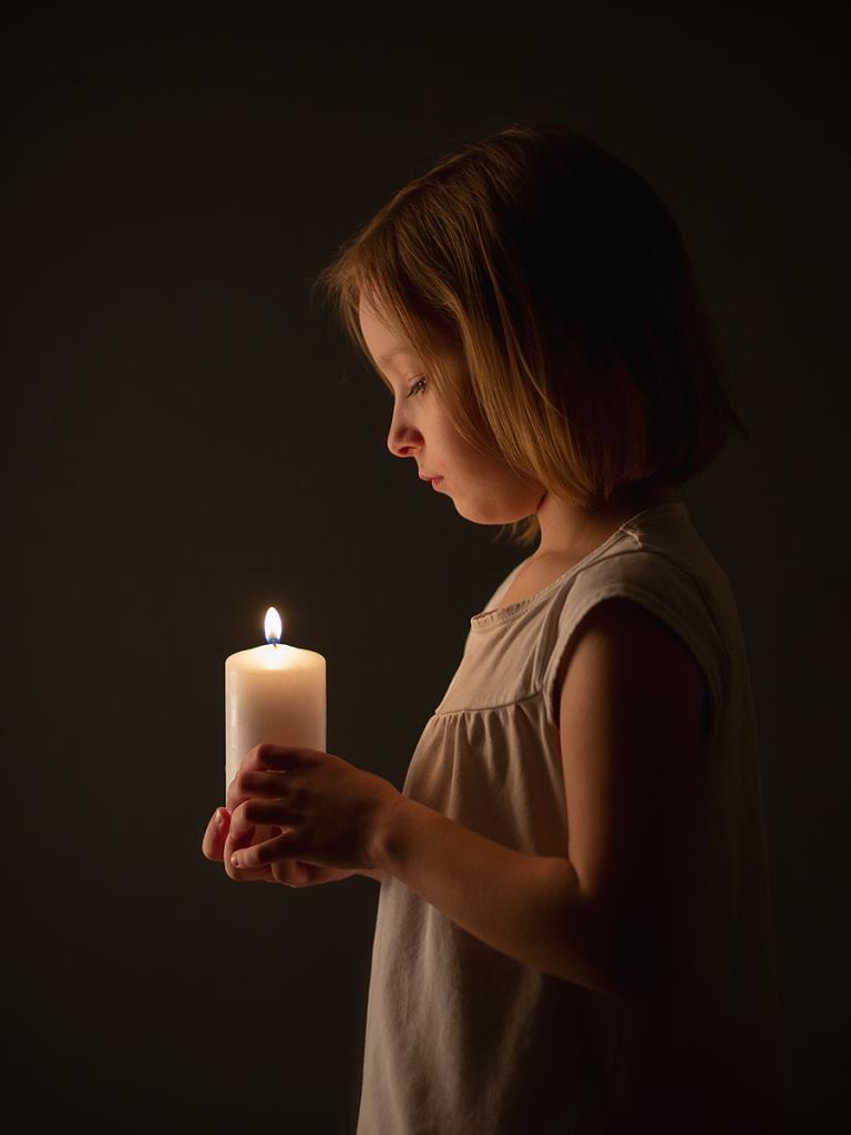 Jak na vánoční focení dětí - svíčka