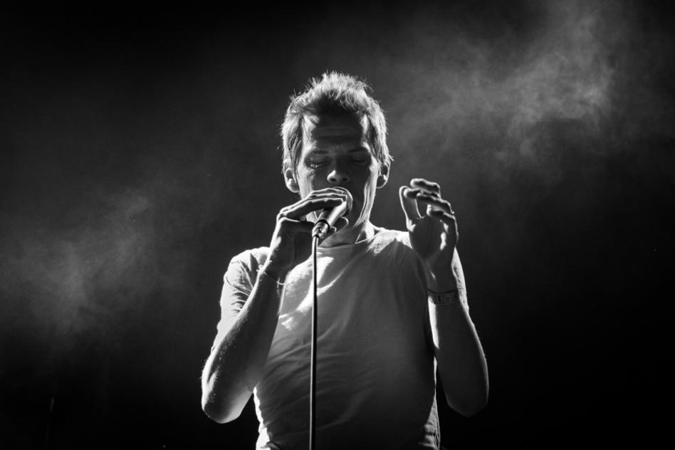 Jak fotit koncerty - černobílá, kapela Zrní
