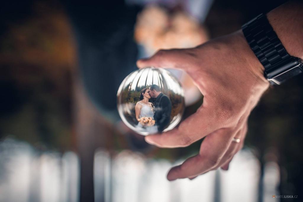 Co vzít s sebou na focení svatby - koule