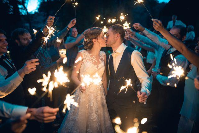 Co vzít s sebou na focení svatby - prskavky
