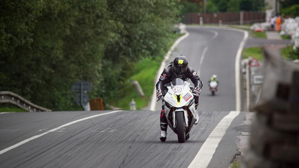 Milan Kubín: motozávody nefotím kvůli adrenalinu, hlavní je zachytit energii
