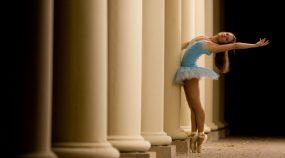 Základy kompozice při focení portrétu II: Naučte se využívat okolí - fotografie baletky