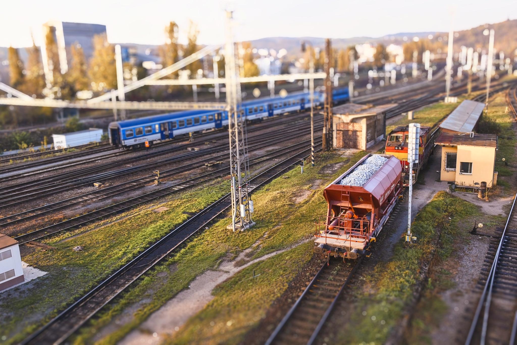 Vytvářejte miniatury pomocí Tilt-shift efektu - vlaková stanice
