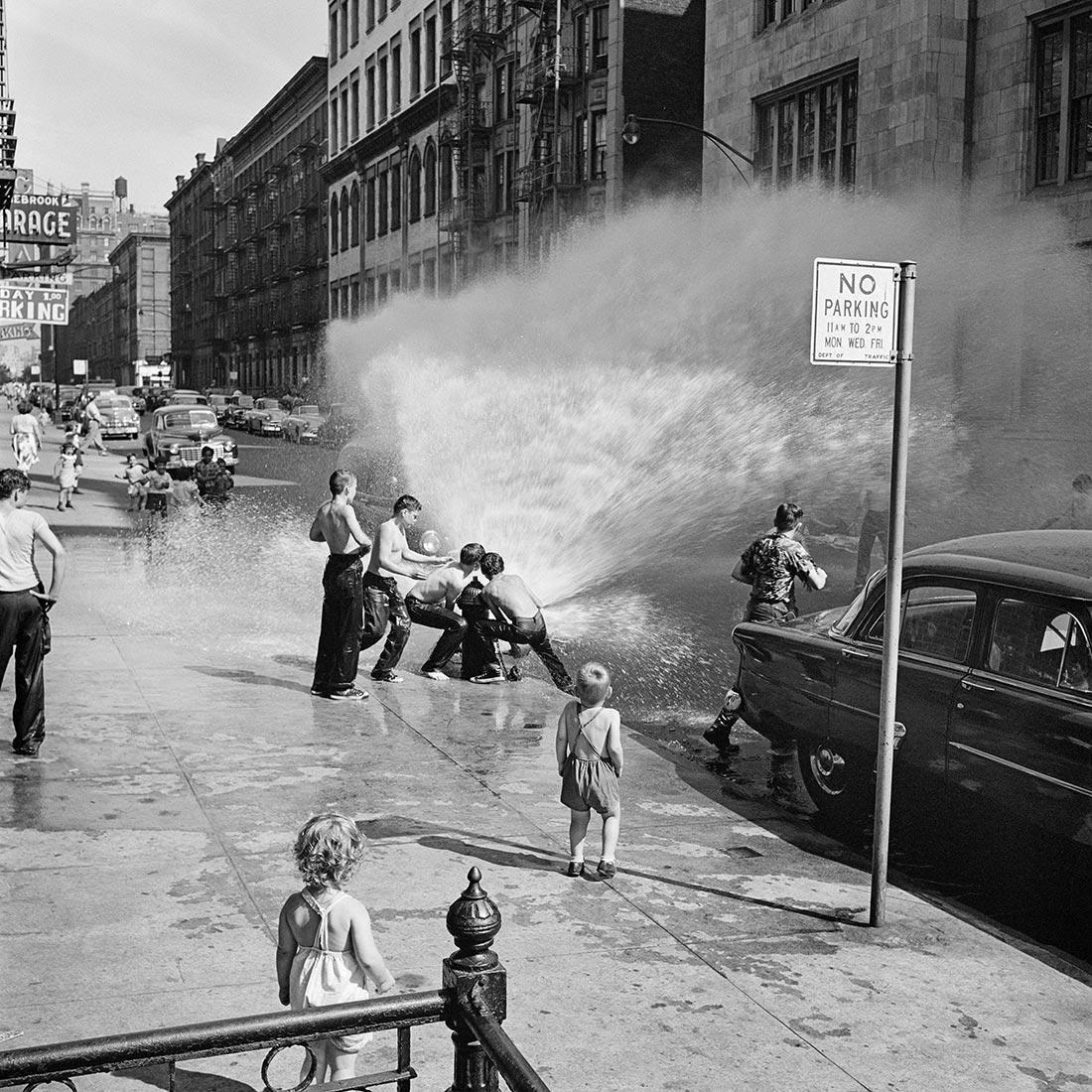 8 tipů od Vivian Maier – rozbitý hydrant