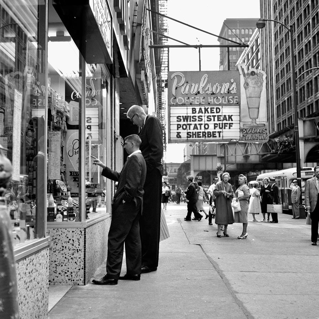 8 tipů od Vivian Maier – malý a vysoký muž