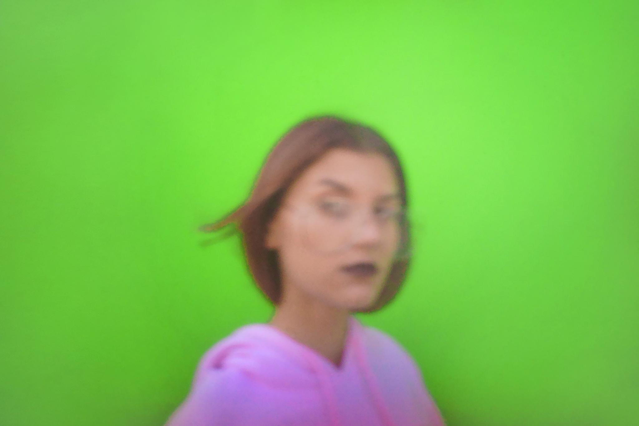 Pinhole aneb dírková komora: jak ji vyrobit a vyfotit s ní divoký barevný portrét