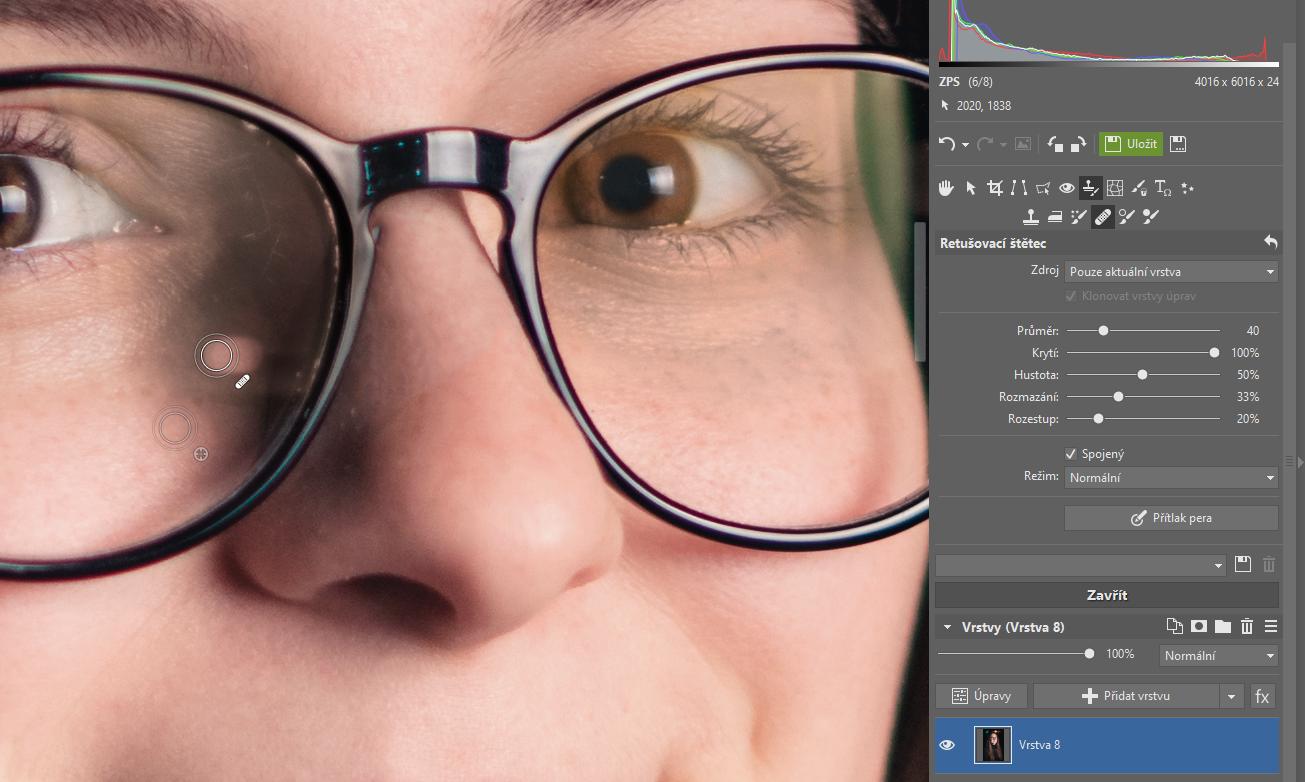 Jak odstranit odlesky z brýlí a jiných skleněných objektů?